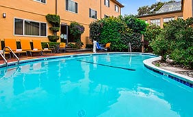 Best Western Carmel's Town House Lodge - Outdoor Pool