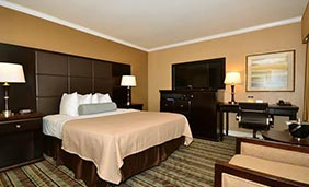 Best Western Carmel's Town House Lodge - Queen Room