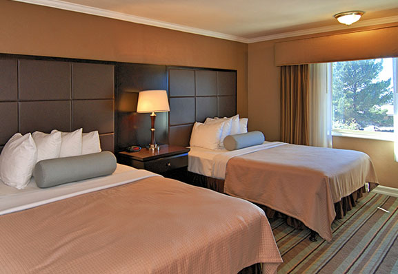 Two Queen Bed Room at Best Western Carmel's Town House Lodge Hotel