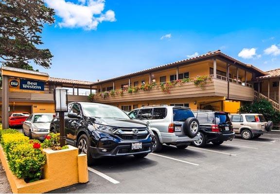 Hotel Near Carmel Beach