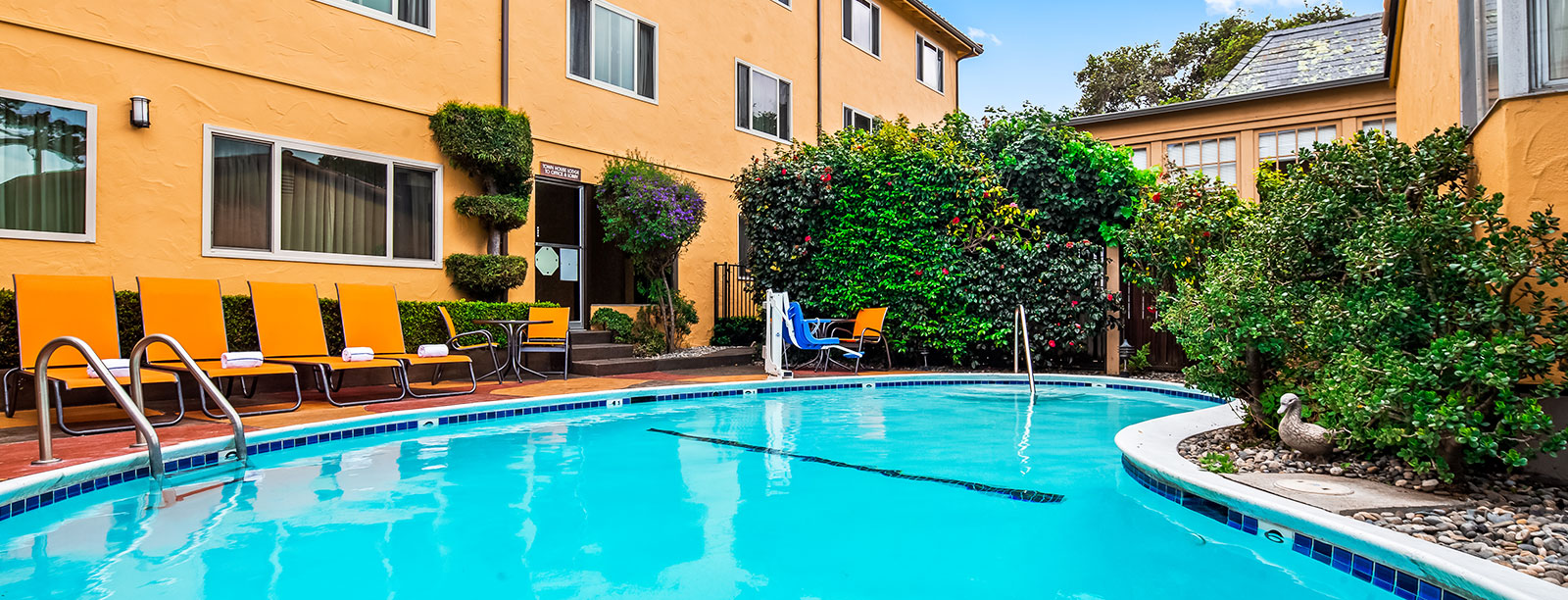 exclusive carmel hotel vacation deals best western carmel. Black Bedroom Furniture Sets. Home Design Ideas