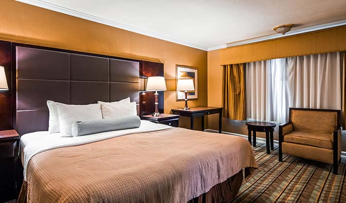 King Room at Hotel Best Western Carmel's Town House Lodge